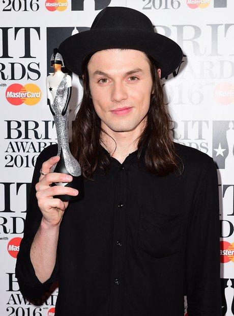 James Bay BRIT Awards 2016